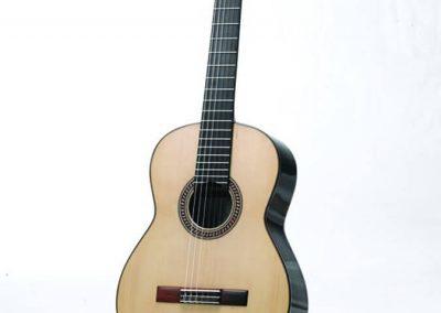 julio-malarino-luthier-clasica-01