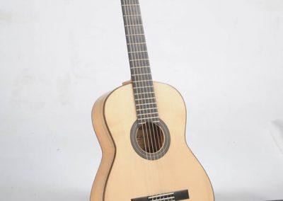 julio-malarino-luthier-flamenca-01